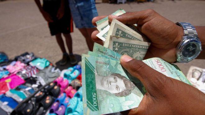 El dólar está perdiendo poder de compra en Venezuela a un ritmo acelerado. GETTY IMAGES