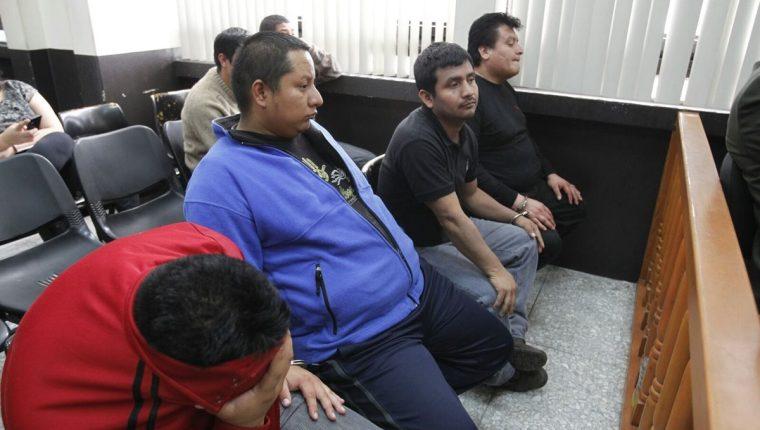 Los seis acusados por la muerte de dos abogados y un empresario fueron ligados a proceso. (Foto Prensa Libre: Paulo Raquec)