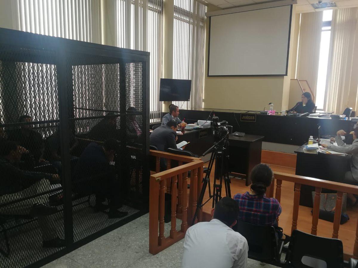 """Una serie de sesiones de interceptación telefónicas podría en evidencia la conspiración de """"Los Huistas"""" (Foto Prensa Libre: Juan Diego González)"""