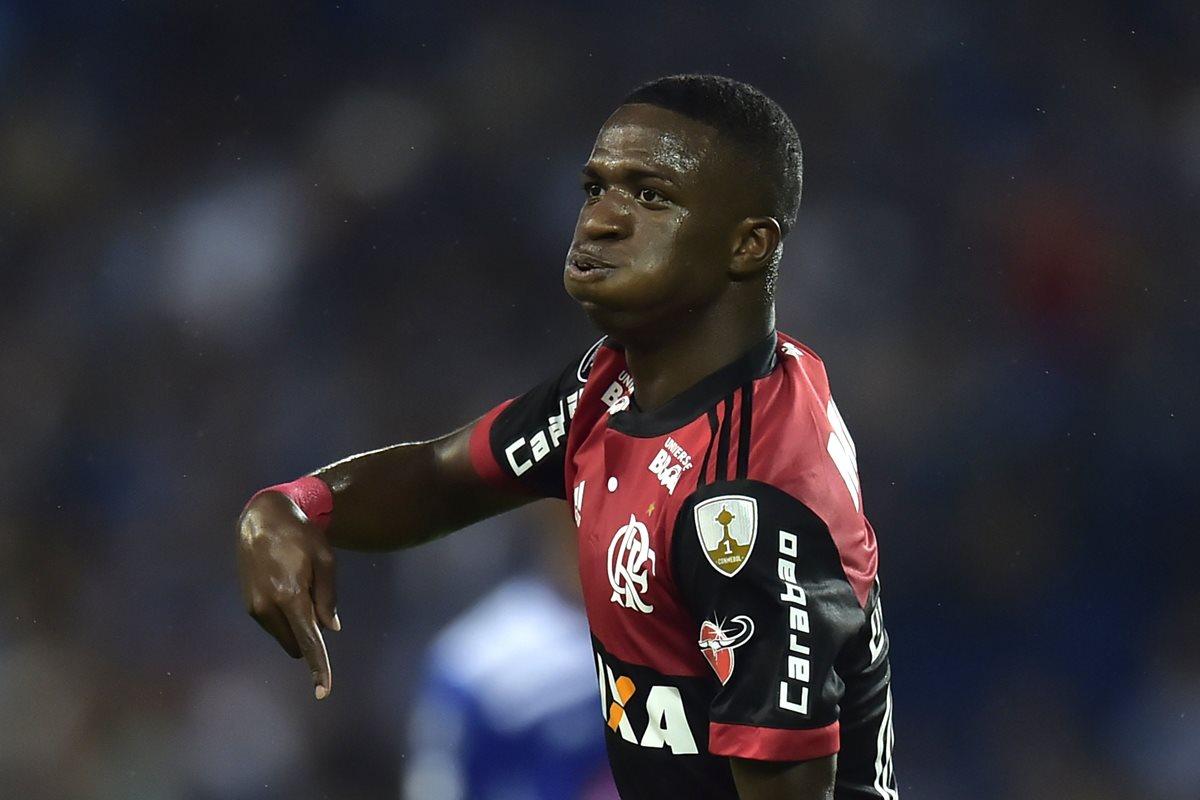 Vinicius Junior celebró en dos ocasiones y ayudó a su equipo el Flamengo en la Copa Libertadores. (Foto Prensa Libre: AFP)