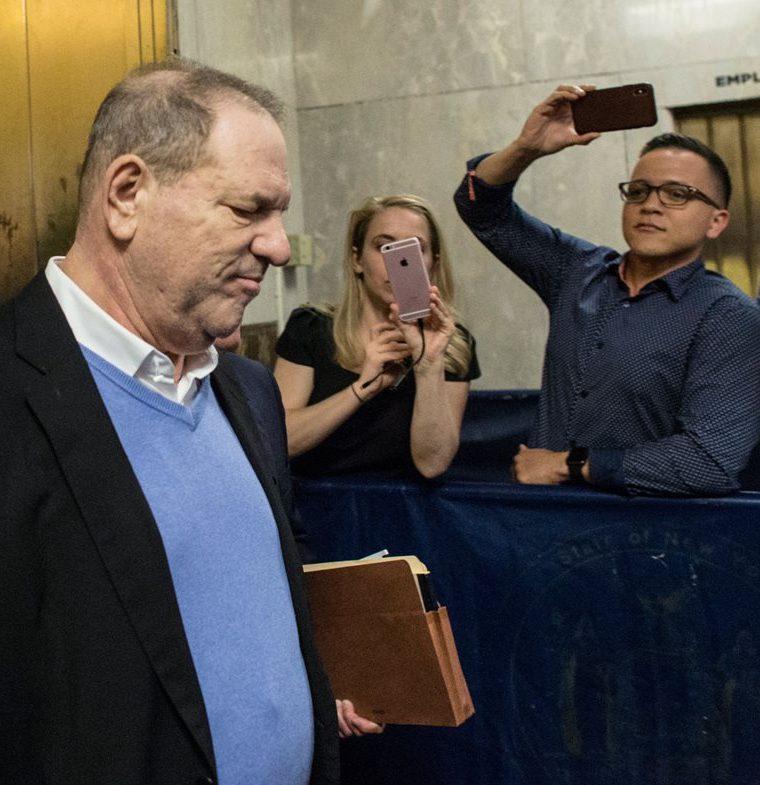 Harvey Weinstein, en el juzgado criminal de Manhattan, en Nueva York (Foto Prensa Libre: AFP).