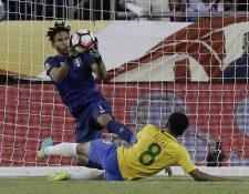 Gallese tuvo una destacada actuación en la Copa América con Perú. (Foto Prensa Libre: AFP)