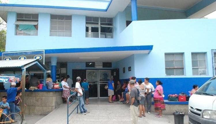 El menor fue trasladado al Hospital Regional de Zacapa, ya que tenía contusión en el cráneo. (Foto Hemeroteca PL)