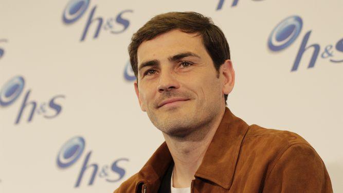 El portero español del Porto, Iker Casillas, se mostró contento de que el Real Madrid pelee por la Liga. (Foto Prensa Libre: www.lainformacion.com)