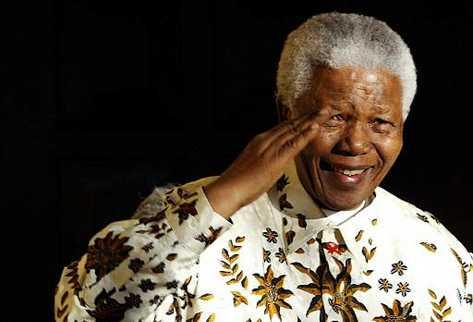 Nelson Mandela, expresidente de Sudáfrica muere a los 98 años. (Foto Prensa Libre: AFP).
