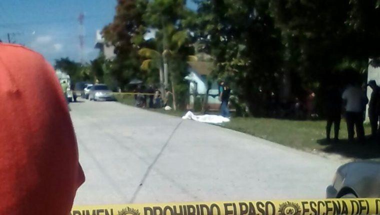 Selvin Jordani Amador Ordóñez murió baleado en Melchor de Mencos, Petén. (Foto Prensa Libre: Rigoberto Escobar)