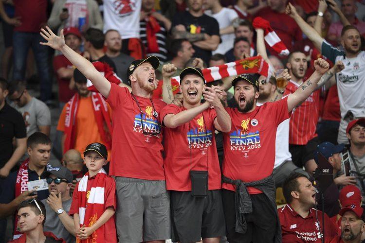 La afición del Liverpool fue fiel a su equipo hasta el final del juego.