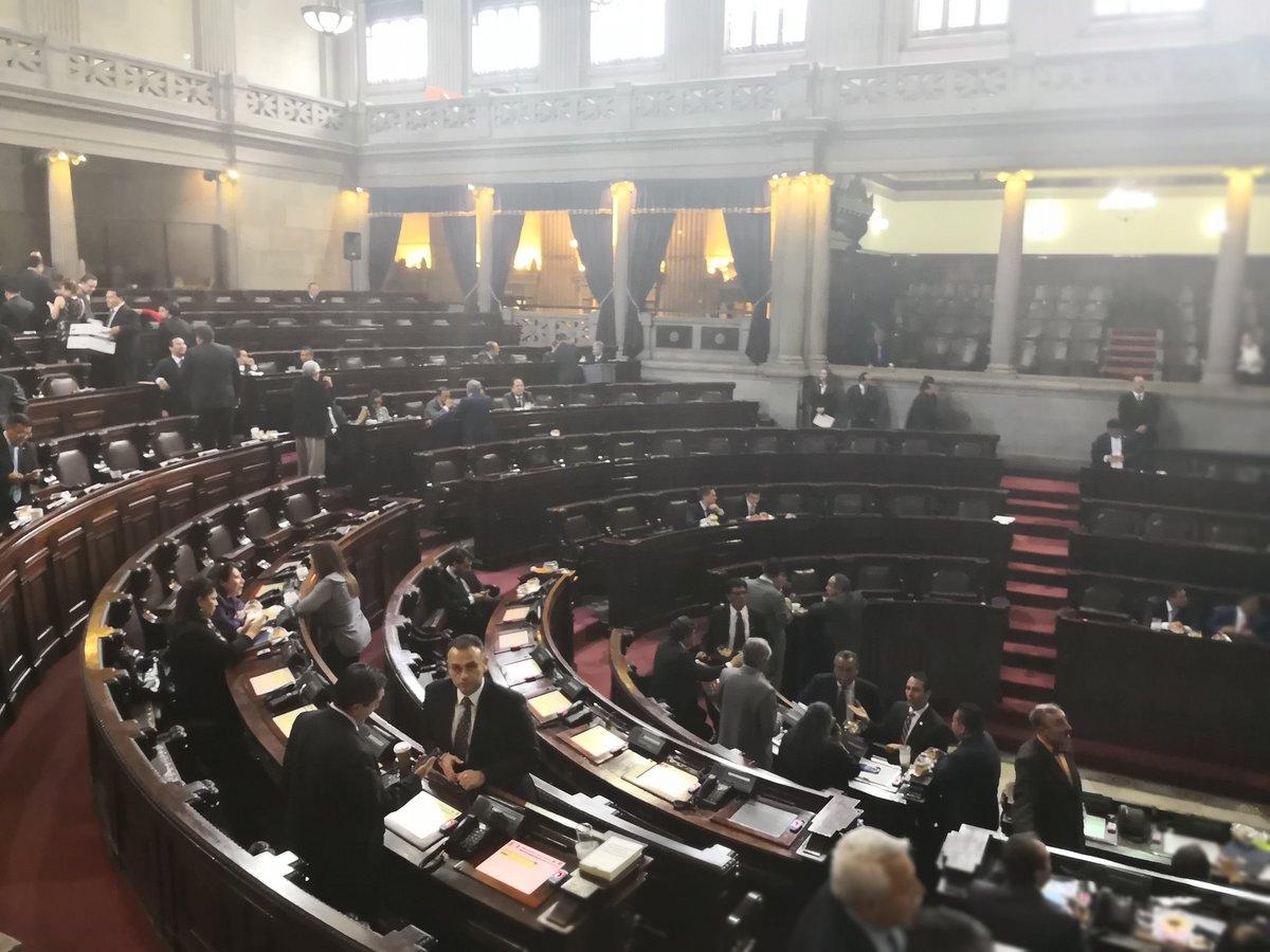 Congreso convoca a nueva postuladora para contralor general