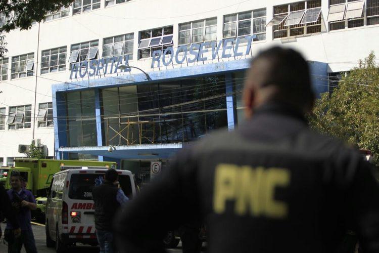 El ataque habría sido para rescatar a un reo que habría sido trasladado esta mañana al hospital Roosevelt.