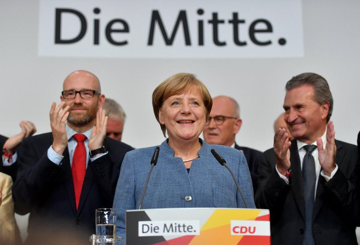 Merkel vence y la ultraderecha entra en el Parlamento, según los sondeos