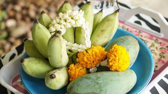 Una ofrenda con mangos para los espíritus. GETTY IMAGES