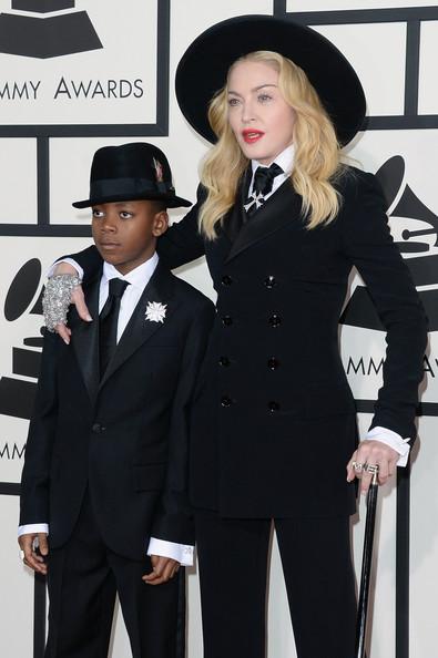 Madonna con su hijo David, a quien adoptó en Malaui. (Foto Prensa Libre: Zimbio).