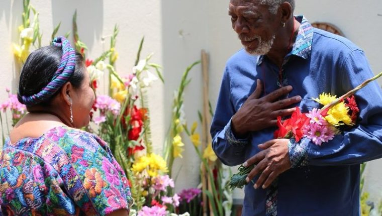 La Premio Nobel de la Paz y el reconocido actor coincidieron en Guatemala (Foto Prensa Libre: Twitter).