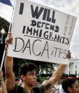 Cientos de estudiantes han suspendido su educación por altos costos (Foto Prensa Libre: AFP)
