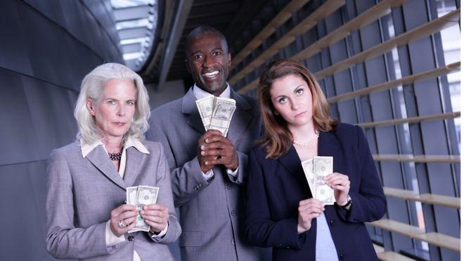 El Foro Económico Mundial estima que se necesitarán 200 años para lograr la igualdad salarial entre hombres y mujeres al ritmo actual de cambio. (Foto, GETTY IMAGES).