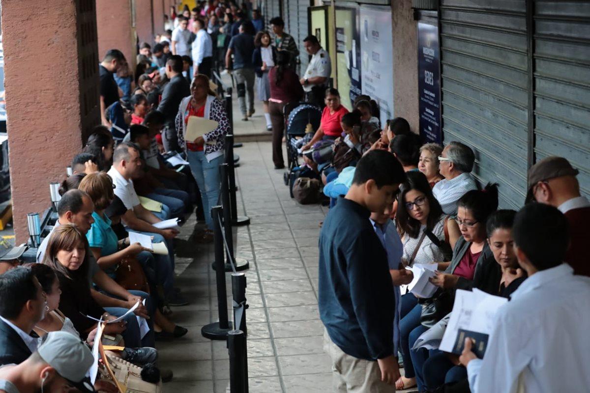 Diputada cita a autoridades de Migración por trámite de pasaporte