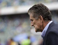 Bauza quedó en la cuerda floja tras una sufrida victoria 1-0 en Buenos Aires y una derrota 2-0 frente a Bolivia. (Foto Prensa Libre: AP).