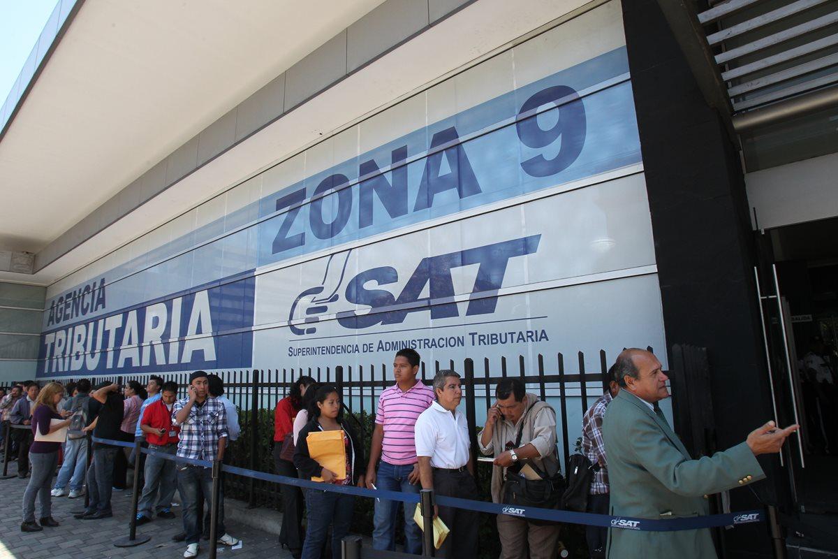 El año pasado, la Superintendencia de Administración Tributaria (SAT) gastó Q34.7 millones en alquileres. (Foto Prensa Libre: Hemeroteca PL)