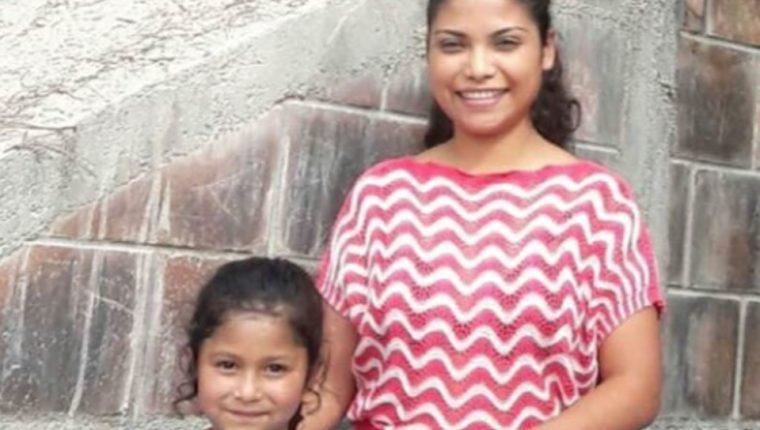 Lilian Mérida-Galicia, junto a su hija de 7 años, quienes fueron separadas en Arizona a mediados de mayo. (Foto: Tomada del Twitter de Micheal Avenatti)