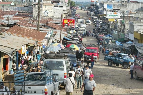 """Una de las calles principales de Ixcán. (Foto Prensa Libre: Archivo)<br _mce_bogus=""""1""""/>"""