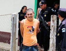 Jorge Amaliel Burgos Valdez fue capturado por localizar un vehículo robado en su vivienda. (Foto Prensa Libre: Rigoberto Escobar)