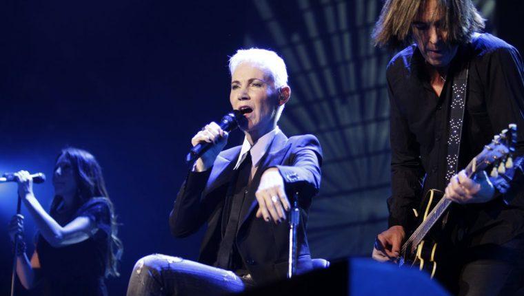 """La cantante Marie Fredriksson (c) y el guitarrista Per Gessle (d), del grupo sueco """"Roxette"""", durante un concierto que ofrecieron en 2018. (Foto Prensa Libre: EFE)"""