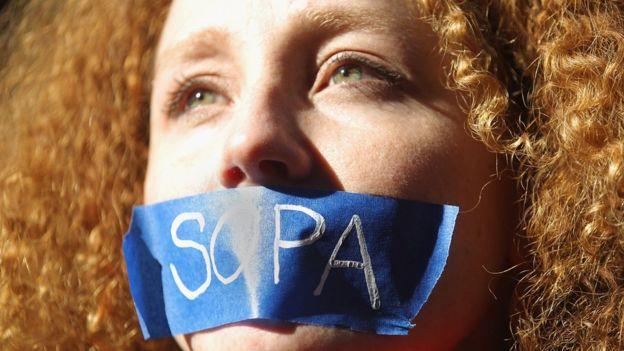 La ley SOPA (Stop Online Piracy Act) de Estados Unidos se oponía a la libertad de expresión y al carácter abierto de internet.  GETTY IMAGES
