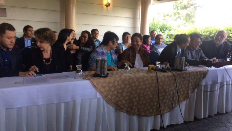 Organizaciones sociales manifestaron su apoyo a Iván Velásquez y la fiscal general. (Foto Prensa Libre: La Red)