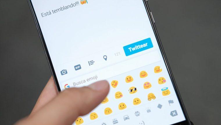 Las redes sociales se han convertido en la fuente principal de comunicación de las personas (Foto Prensa Libre: José Andrés Ochoa).