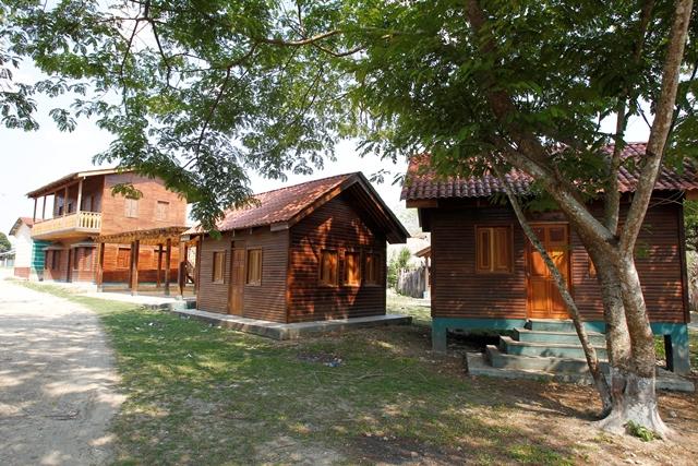 La Cooperativa Carmelita construye un hotel para recibir a los turistas que van a El Mirador. (Foto Prensa Libre: Paulo Raquec)