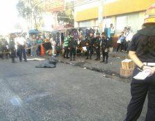 Un hombre murió a balazos en la zona 9.(Foto Prensa Libre:CBM)