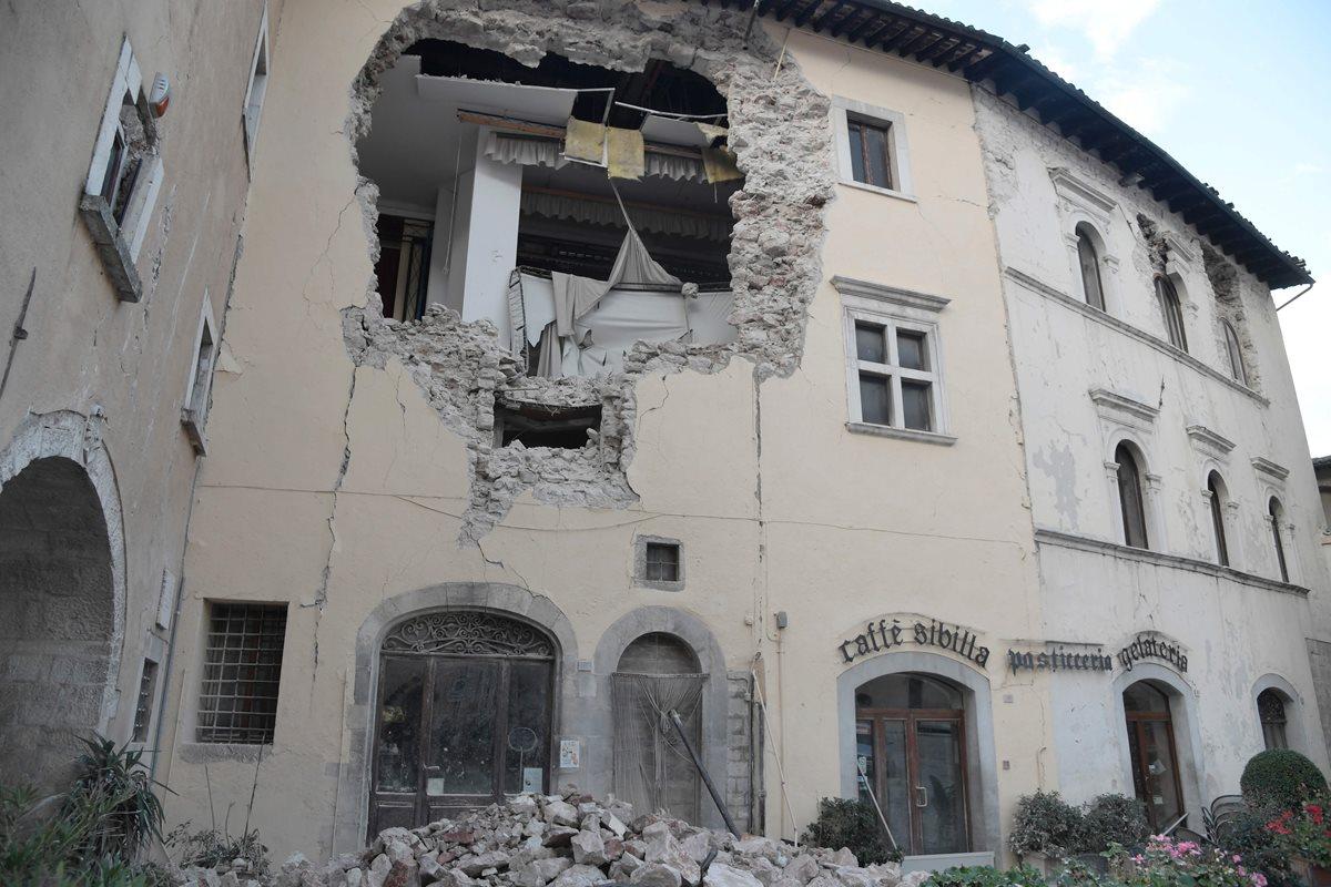 Miles de afectados por fuertes sismos en el centro de Italia