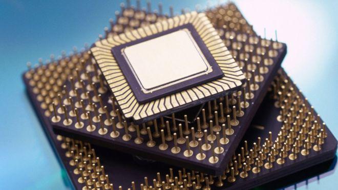 El transistor es el que emula los 1 y los 0 del código binario según deje o no pasar la energía a través del microprocesador. (THINKSTOCK)