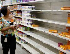 Más de 300 negocios cierran diario por falta de insumos en Venezuela. (Foto Hemeroteca PL)