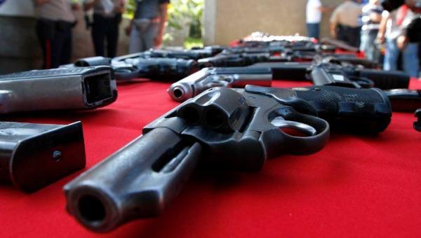 Los profesores de la Webber International University podrán ser autorizados para llevar armas al campus. (Foto Prensa Libre: Hemeroteca PL)