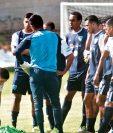 Los seleccionados nacionales saldrán a escena hoy, con la mentalidad de ganar el partido de ida. (Foto Prensa Libre: Hemeroteca PL)