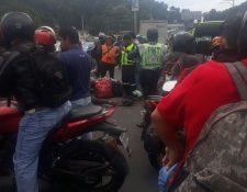 Motorista murió en accidente ocurrido en el kilómetro 14.5 de la ruta al Pacífico. (Foto Prensa Libre: Dalia Santos)