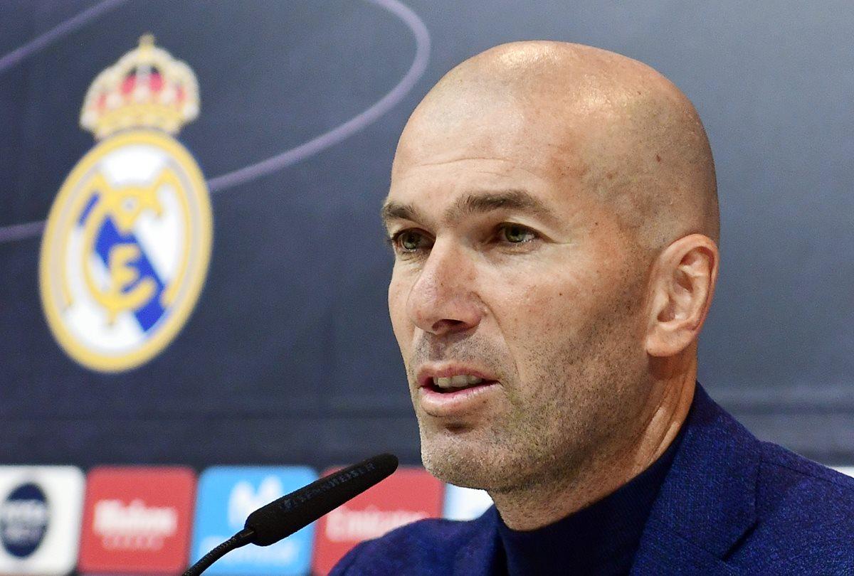 Zinedine Zidane dio a conocer su renuncia durante una conferencia de prensa. (Foto Prensa Libre: AFP)