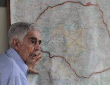 Jorge Erdmenger, impulsor del anillo metropolitano, propone retomar el proyecto como salida a los problemas de tráfico vehicular y de desorden urbano. (Foto Prensa Libre: Érick Ávila)