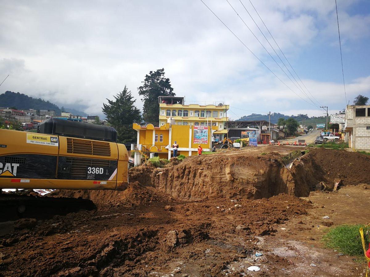 La carretera entre San Juan Ostuncalco y Concepción Chiquirichapa, Quetzaltenango, fue dañada por la lluvia. (Foto Prensa Libre: Cortesía)