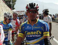 El ciclista Carlos López destacó con el equipo Canel´s que lo catapultó en varios países de latinoamérica. (Foto Prensa Libre: Redes)