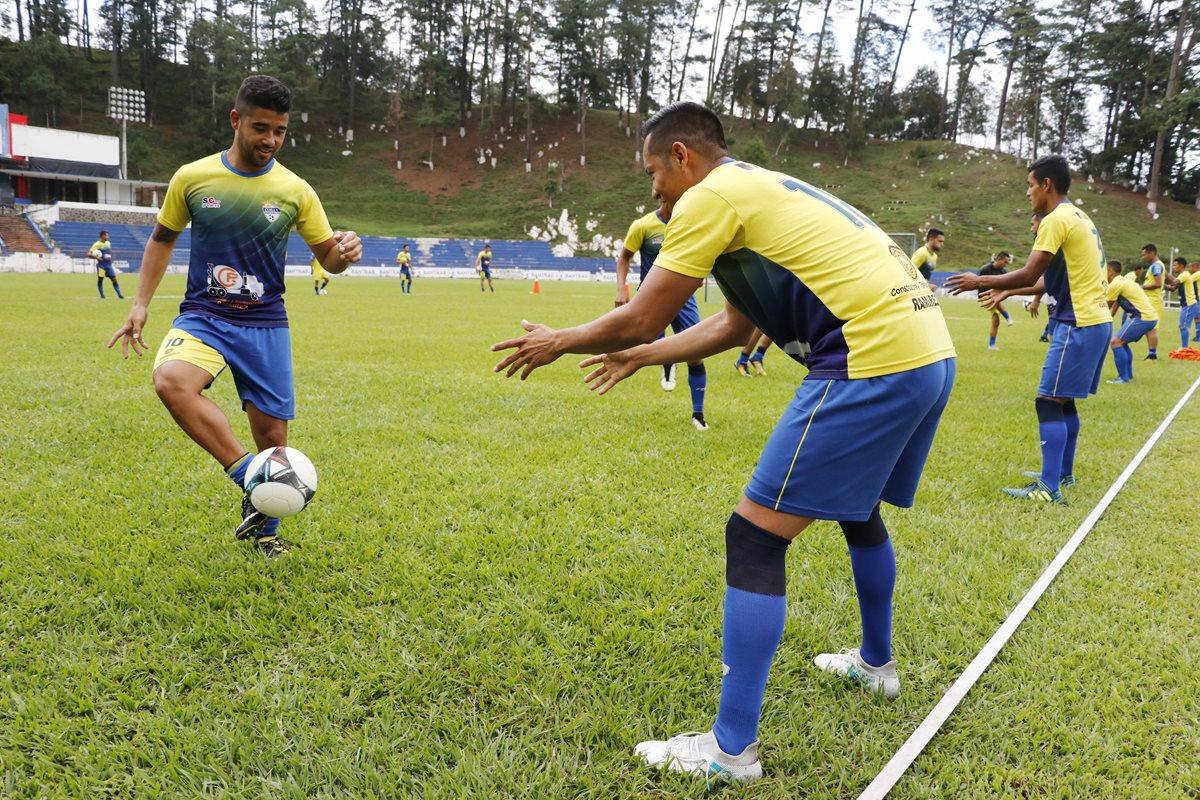 Gerardo Arias y Odir Flores serán el motor de Cobán Imperial. (Foto Prensa Libre: Eduardo Sam)