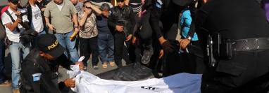 Familiares localizaron sin vida a la maestra Aura Dominga Marroquín Castañeda, en Jalapa. (Foto Prensa Libre: Hugo Oliva)
