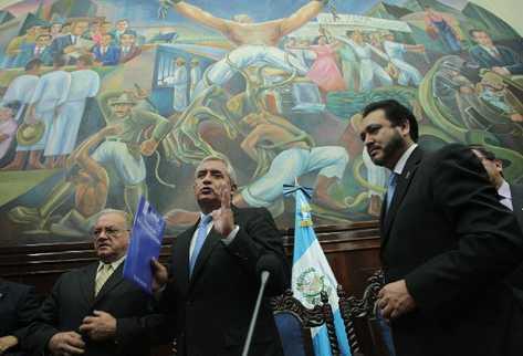 Pérez Molina entregó las reformas constitucionales al Congreso, el 27 de agosto, y cuatro días después llegó el proyecto de presupuesto para el 2013.