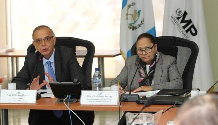 Comisionado Iván Velásquez y la fiscal General, María Consuelo Porras, durante una reunión con representantes de instituciones del sector justicia, el 11 de junio. (Foto Prensa Libre: Hemeroteca PL)