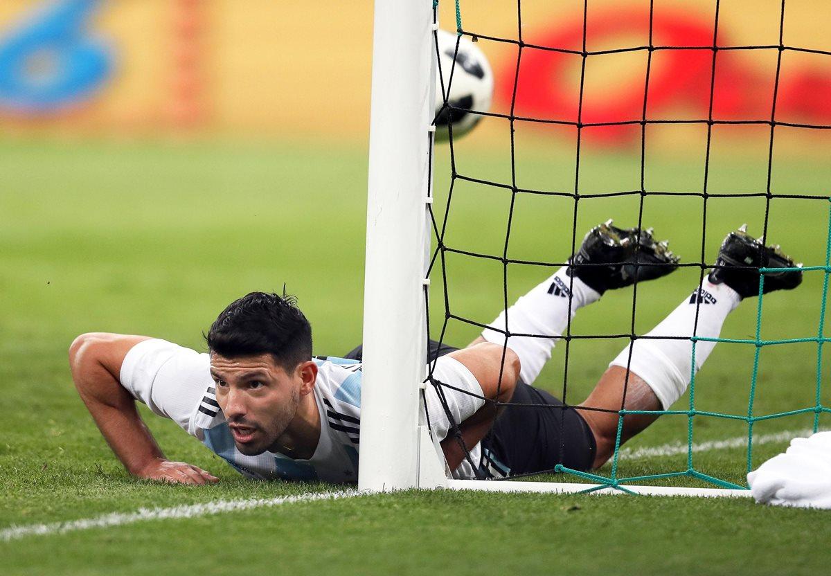 Sergio Agüero anotó uno de los goles de Argentina, en la derrota frente a Nigeria. (Foto Prensa Libre: EFE)