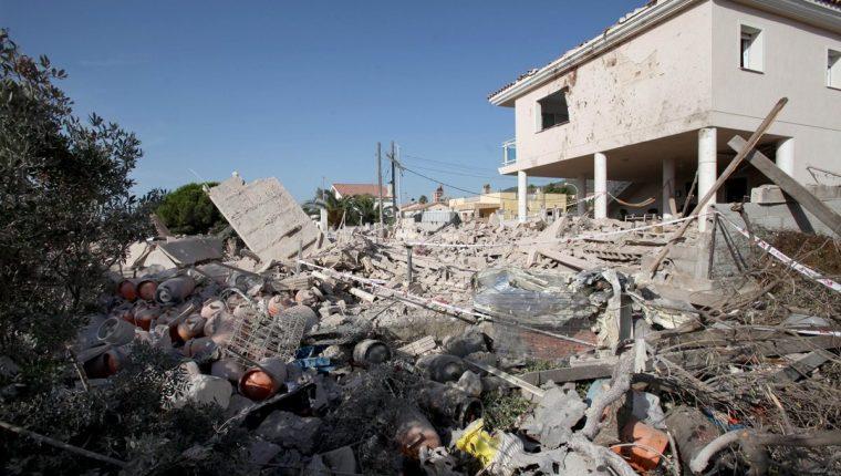 Estado en el que quedó una casa de Alcanar (Tarragona) tras una explosión ocurrida el miércoles. En esta explosión murió una persona. (Foto Prensa Libre;EFE).