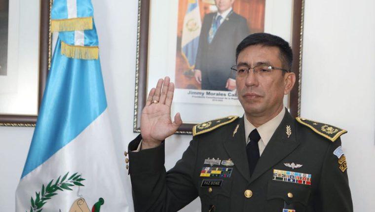 El general de brigada, Julio César Paz Bone, es el nuevo Jefe del Estado Mayor de la Defensa Nacional designado por el presidente Jimmy Morales.