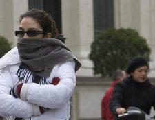 Abrigarse bien, especialmente los niños, es importante en estos meses de frío, para evitar los resfriados.