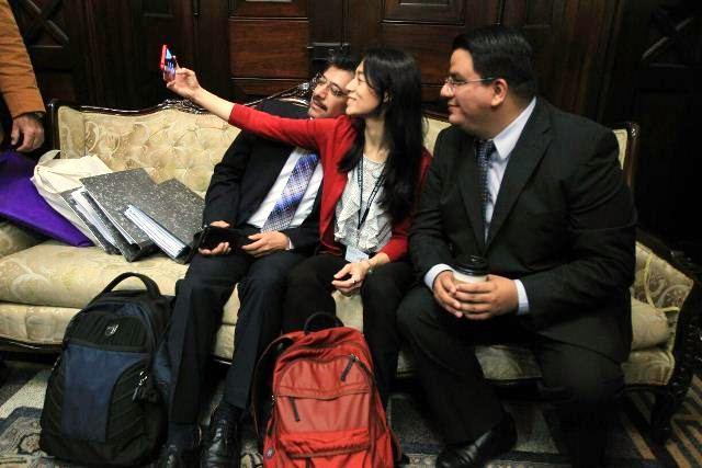 La interpelación, cada vez más dudosa, de Lucrecia Hernández Mack, Ministra de Salud. (Foto Prensa Libre: Esbin García)